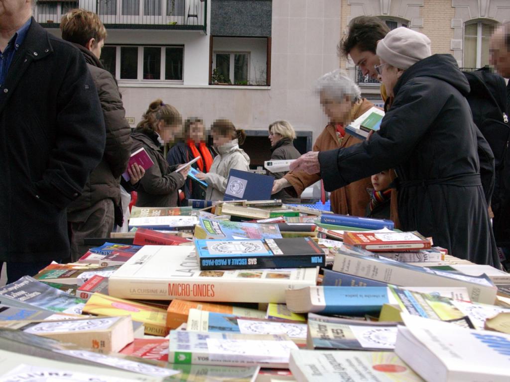 Aidez-nous à sortir les livres des placards ou des biblihotèques